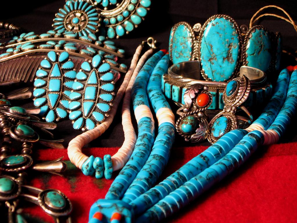 Sieraden van de indianen gezet met turkoois